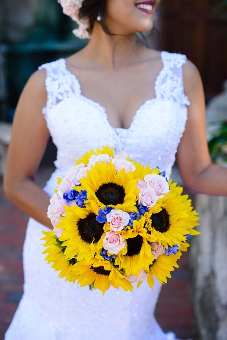 Sunflower Bridal Bouquet - Travel Inspired Wedding at Estate on the Halifax - Central Florida Wedding -Photo: Sivan Photography -Orange Blossom Bride - Click pin for more - www.orangeblossombride.com