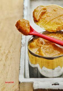 Caramel selber machen aus gezuckerter Dosenmilch. Mit diesen Tipps gelingt es sicher!