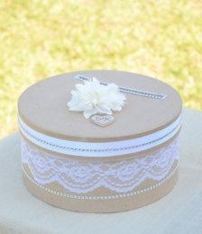 Brauner Schuhkarton mit Spitze beklebt Wedding Card Box