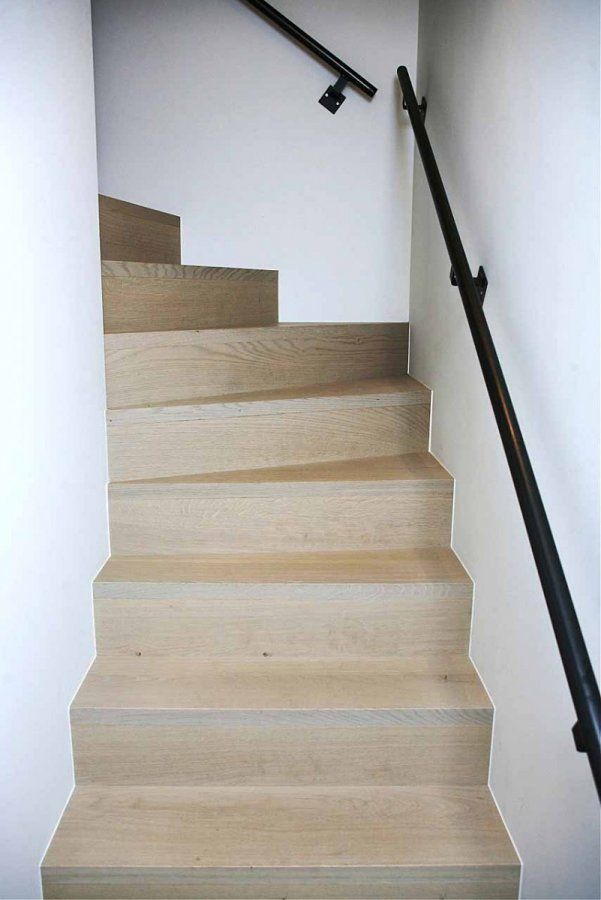 25 beste idee n over smeedijzeren trappen op pinterest ijzeren trap en smeedijzeren leuningen - Interieur houten trap ...