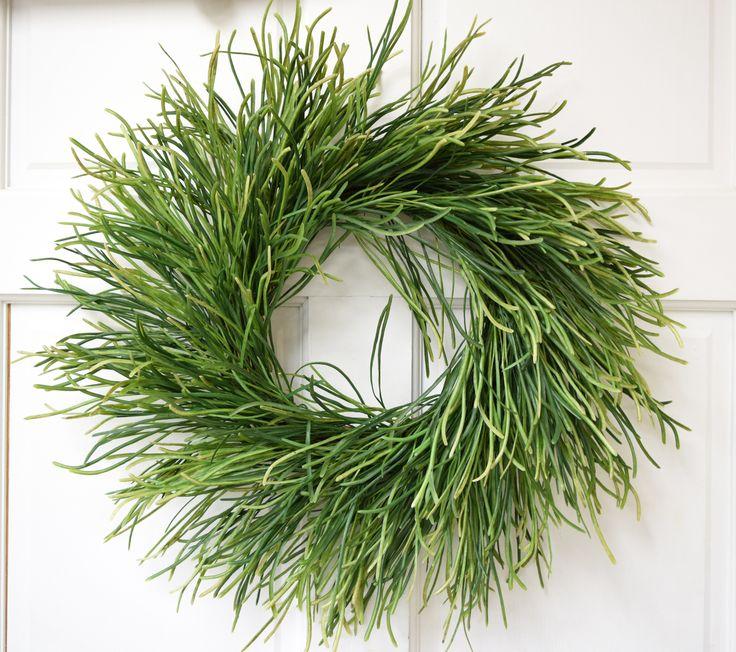 """Leek Grass 18"""" wreath"""