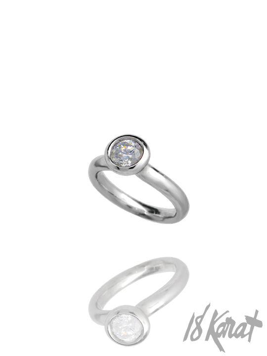 Luna Engagement Ring | 18Karat
