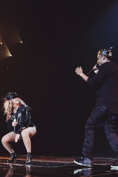 Beyonce and Jay Z - i die for this pic!
