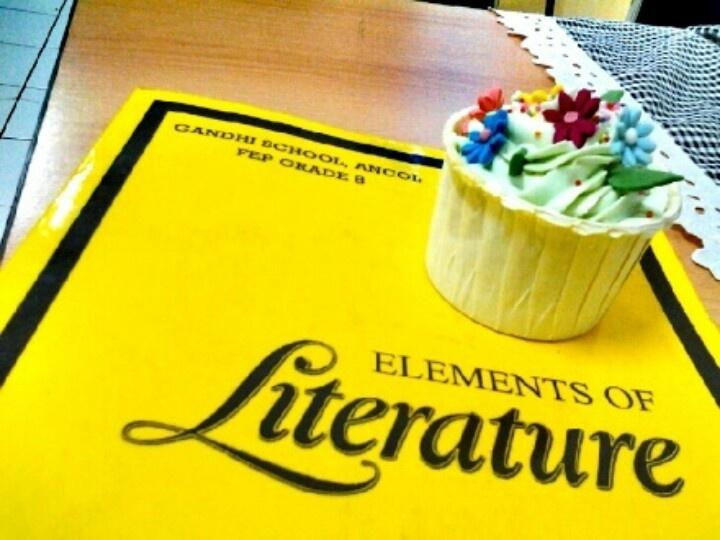 A cupcake of literature