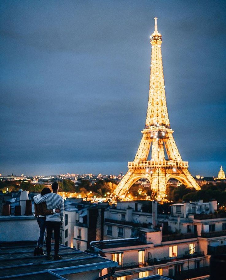 The View Of The Eiffel Tower At Night Is One That You Will Never Forget Paris Paris Tour Eiffel Tour Eiffel La Tour Eiffel