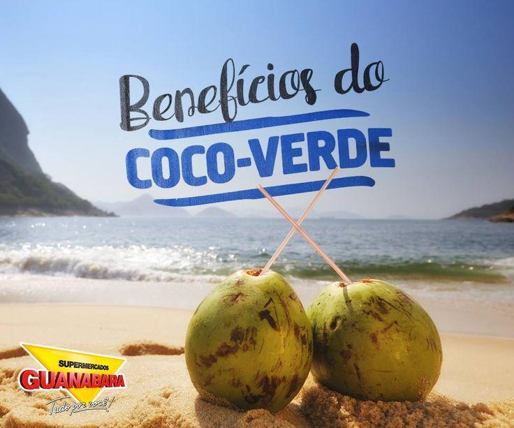 Benefícios do coco-verde. Como resistir à uma água de coco na praia? Além da água, o coco-verde ainda possui inúmeros benefícios para a sua saúde. O coco é rico em nutrientes, previne doenças cardiovasculares e fortalece o sistema imunológico. Além disso, ele fornece duas gorduras do bem, que rejuvenescem e, consumidas em doses moderadas, ajudam a emagrecer.