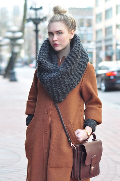 street style • thick knit cowl in charcoal