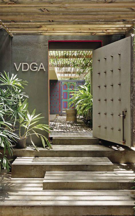 http://www.insideoutside.in/inside-outside/issue-magazine/9922/nature-deepak-guggari