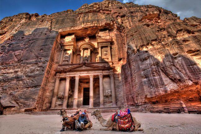 Petra, a csodálatos sziklába vésett város
