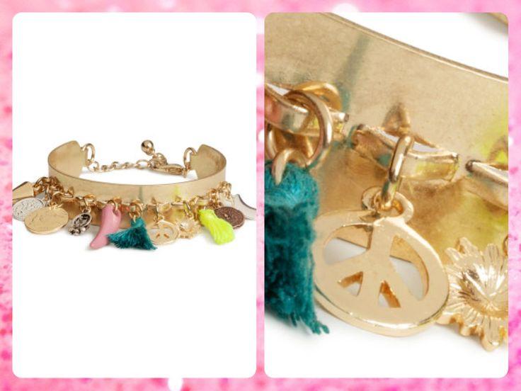 #MayaBoutiqueCR H&M Código: HMA-12 #Bracelet with #pendants Color: Gold Precio: $20,00 (¢10.900) Para pedidos y consultas llamar al teléfono 8963-3317 o al email maya.boutique@hotmail.com.