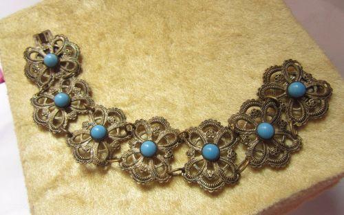 bratara vintage turcoaz  http://www.antic-shop.ro/antichitate/bratari/bratara-filigran-portelan-turcoaz