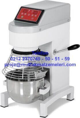 Pasta mikseri; pastanelerde kullanılan krema şanti çırpma mikseri 0212 2370749