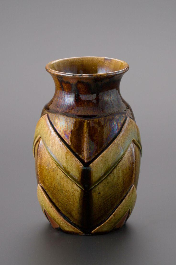 掛分織部刻文花生 Vase with engraved, Oribe type with amber glaze 2013