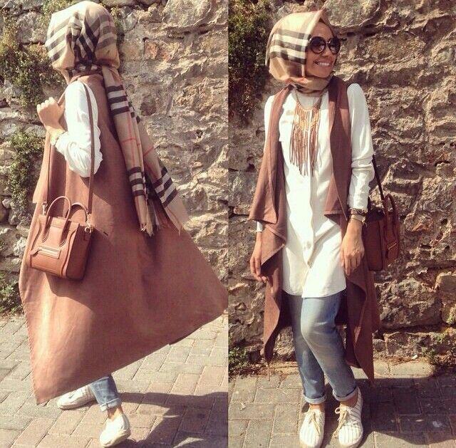Hijab Fashion 2016/2017: Sélection de looks tendances spécial voilées Look Descreption Hulya Aslan ♥ Muslimah fashion & hijab style