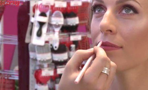 VIDEO: Barevné trendy líčení letí. Jak na to?