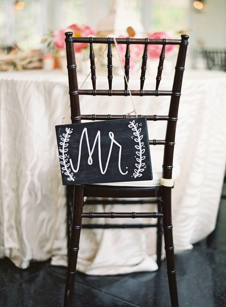 Photography: Vicki Grafton Photography - vickigraftonphotography.com  Read More: http://www.stylemepretty.com/2015/01/15/summertime-chesapeake-bay-beach-club-wedding/