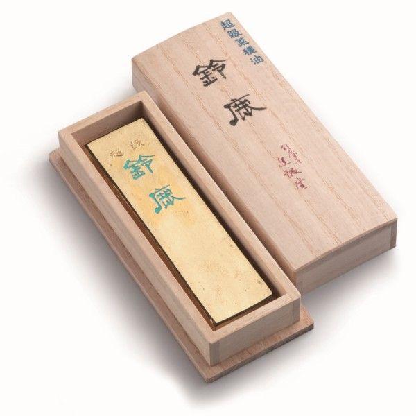 鈴鹿墨 | 伝統的工芸品 | 伝統工芸 青山スクエア