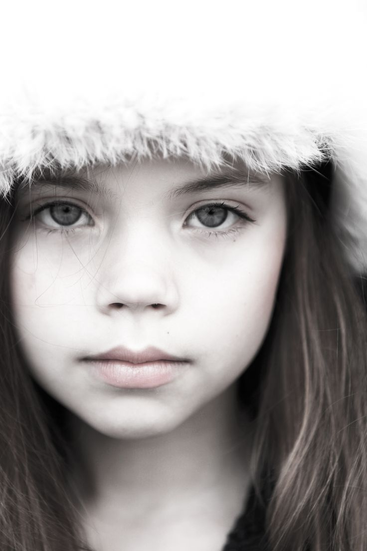 Portrait girl by Mathilde Andersson