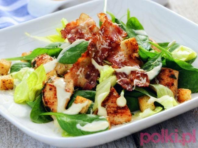 Sałatka z kurczakiem a la cezar - przepis Ani Starmach -Przepis na #polkipl #salad #salatka