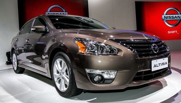 2016 Nissan Altima - exterior design.  http://www.2016-2017carsrelease.com/2016-nissan-altima-refresh/  .  2016 Nissan Altima will be able to boast new and more sophisticated appearance.
