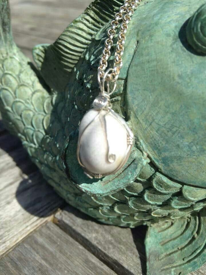 Wire wrapped pearl for Mel