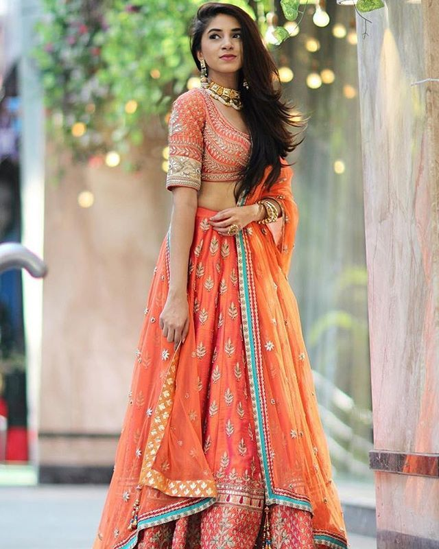 fashion blogger @thesnobjournal wears this Anita Dongre outfit