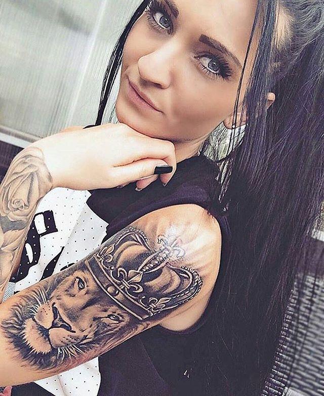 Woman crush! ❣ @ju_liette.89 - Follow @tattoo.videos