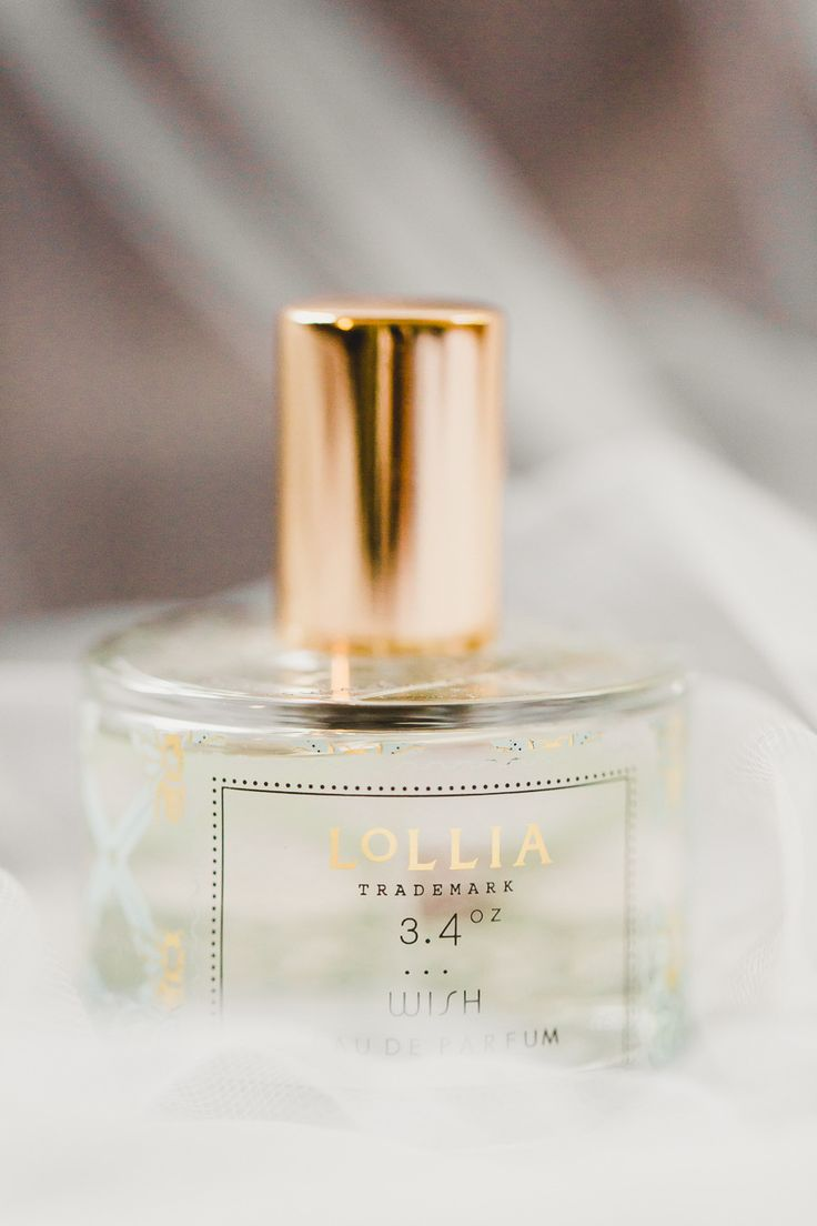 14 best Perfumes images on Pinterest   Perfume bottle, Cosmetic ...