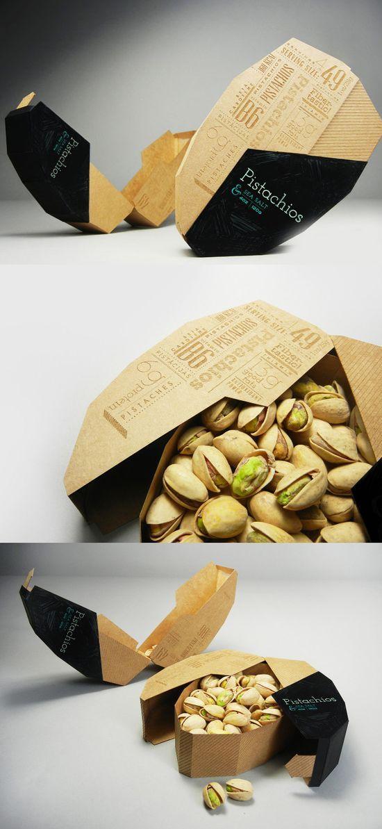 pack pistache en carton en forme de pistache, reprise du concept d'ouverture de la pistache