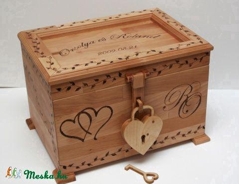 Meska - Esküvői láda fából szív lakattal FromWood kézművestől