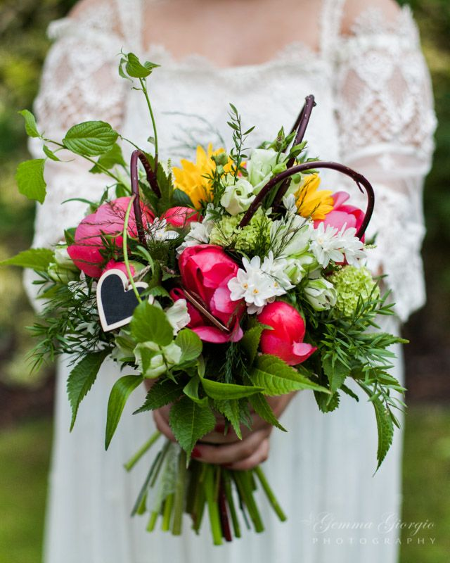 Showing this gorgeous rich coloured bouquet at its best