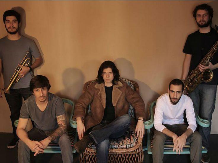 No sábado, dia 18, a banda Os Intocáveis sobe ao palco da Sensorial Discos para agitar a noite com seu funk rock autoral.