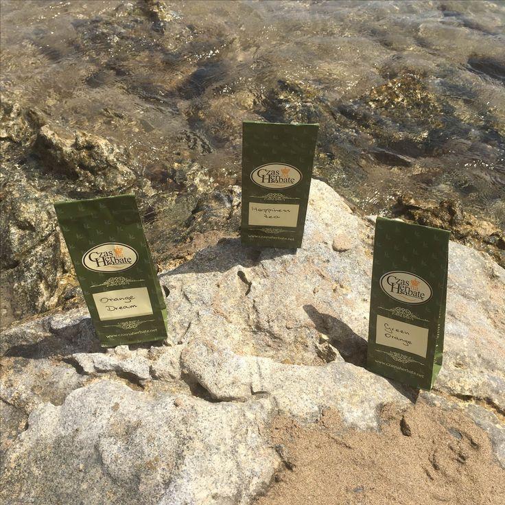 Krystalicznie czysta woda, plaża i...ulubione, wakacyjne trio! :)