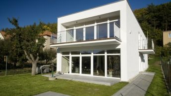 Family house Lelekovice - constructed on a very narrow plot of only 12 meters