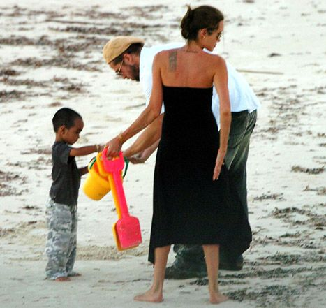 Angelina Jolie, Brad Pitt: See the Pic That Confirmed Their Romance - Us Weekly
