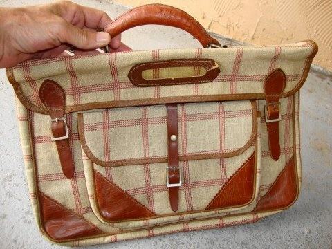 Old fashion school bag 75