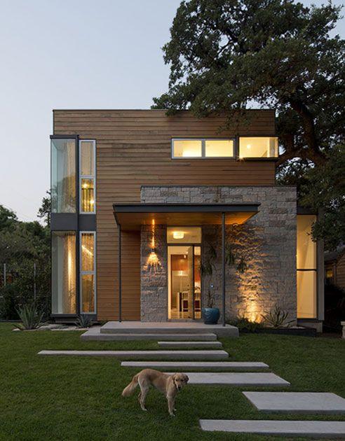 Fachada en madera y piedra                                                                                                                                                      Más