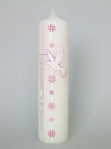 Taufkerze in elfenbein mit Taube,Kreuz und Blümchen.
