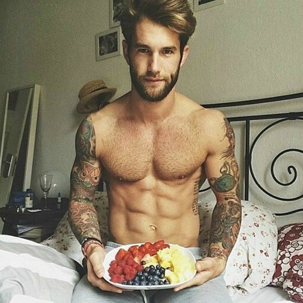 19 Guys With Tat Sleeves Who Will Make You Thirsty