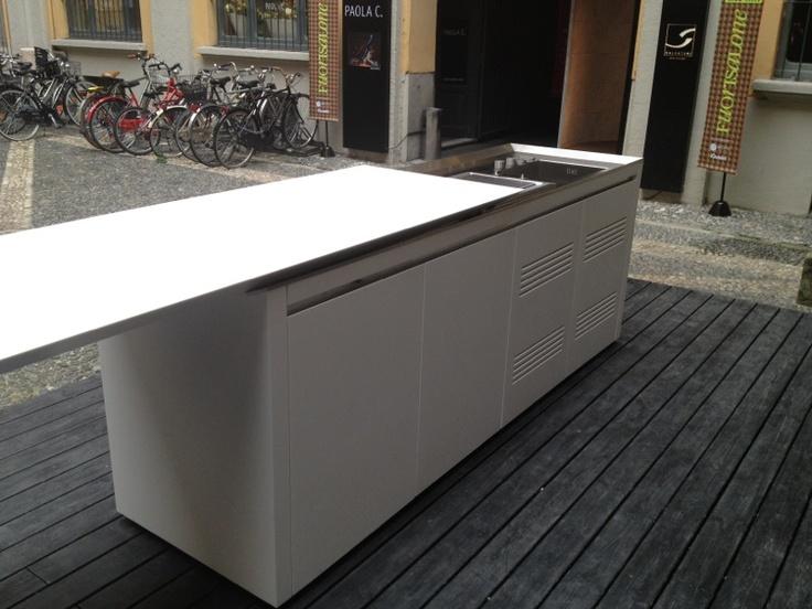 Exterior Boffi corian kitchenette, by Norbert Wangen