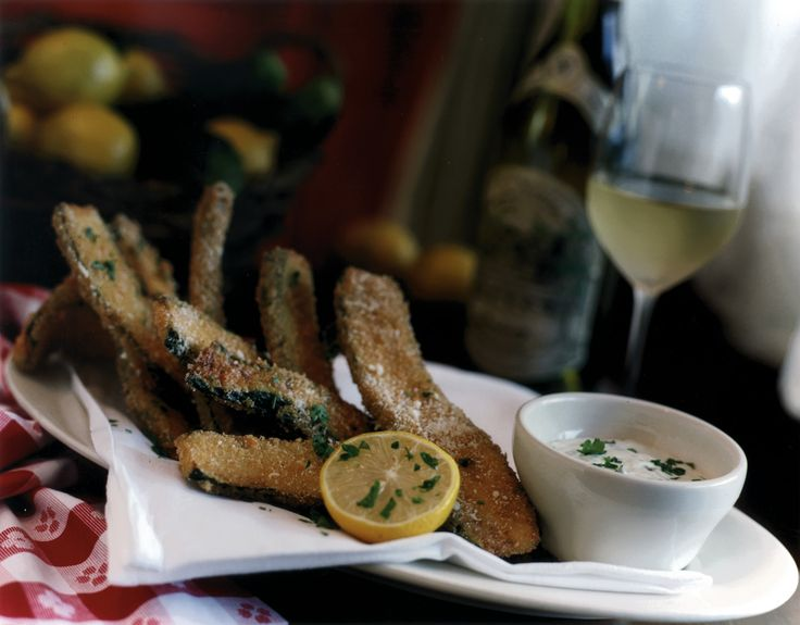Maggiano's Crispy Zucchini Fritté Recipe ~ Maggiano's has the BEST fried zucchini in the world!
