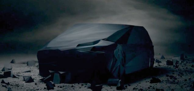 """Read more: https://www.luerzersarchive.com/en/magazine/commercial-detail/mercedes-benz-53557.html Mercedes-Benz  Mercedes-Benz: """"Monolith"""" [01:30] # A huge black monolith is brought down by football players and subsequently shaped – by a stag, a pair of lovers, fire, and lots more besides – into a car Pay-off: Shaped by Sensation. Mercedes-Benz. Tags: CLM BBDO, Paris,Eric Pierre,Wanda,Wilfrid Brimo,Mercedes-Benz"""