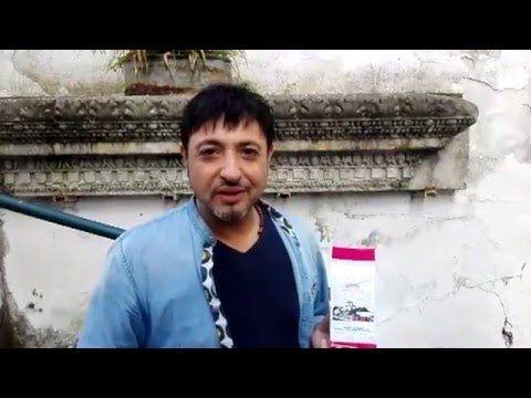 gigi finizio per lazzarelle - YouTube http://meridonare.it/campaigns/un-caffe-che-cambia-la-vita/