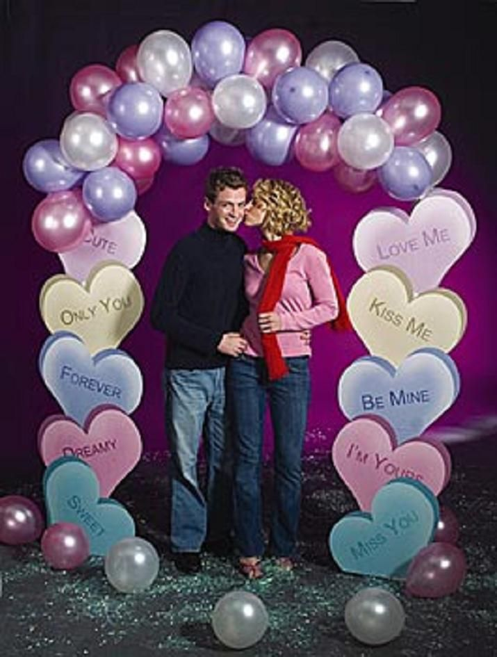 Best 25 prize wheel ideas on pinterest diy spinning for Balloon decoration for valentines day