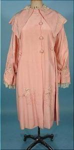 Шёлковое розовое манто 1915 г. Отделка - кружево, вышивка шёлком (гладь, французские узелки).