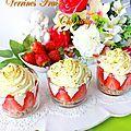 Verrines fraises chantilly pistache