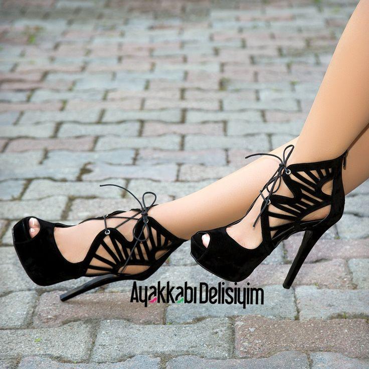 Milano Süet Siyah Dekolteli Platform Topuklu Ayakkabı
