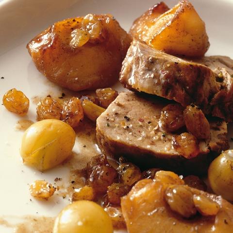 Filetto di maiale con uva e mele al Calvados
