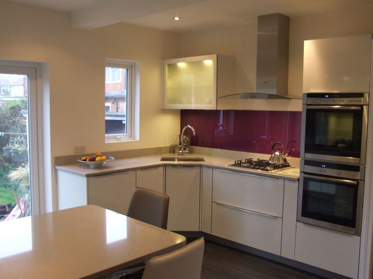 This Purple Splashback Adds A Touch Of Colour Without Being Overpowering It Brings Warmth And