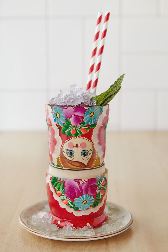 Коктейль «Матрешка». Оригинальная подача, правда? #скоровесна #матрешка #cocktail #drink #ginzaproject #matryoshka #russian #fun